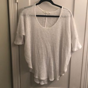 Tops - Fun white casual everyday top